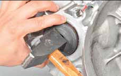 Замена сальника привода переднего колеса Киа Рио 3 (2011)