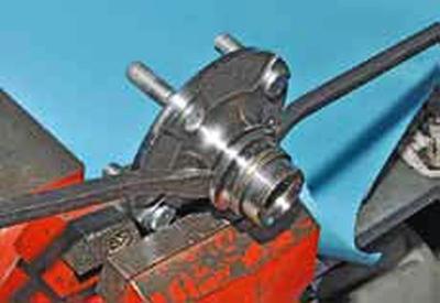 Замена подшипника ступицы колеса Киа Рио 3 (2011)