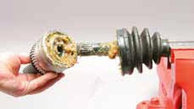Снятие наружного шарнира привода колеса, замена грязезащитного чехла Киа Рио 3 (2011)