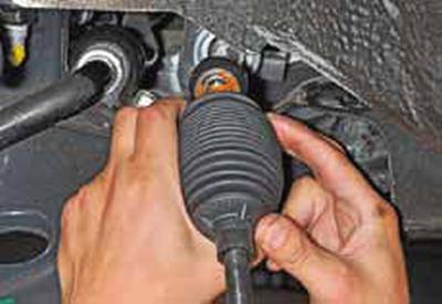 Замена чехла рулевого механизма Киа Рио 3 (2011)