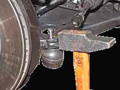 Замена наконечника рулевой тяги Киа Рио 3 (2011)
