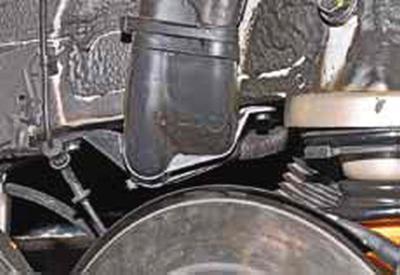 Снятие топливного бака и наливной трубы Киа Рио 3 (2011)