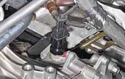 Снятие датчика скорости автомобиля Киа Рио 3 (2011)
