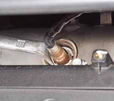Снятие датчиков концентрации кислорода Киа Рио 3 (2011)
