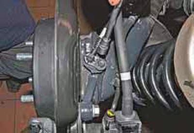Снятие датчиков скорости вращения колес Киа Рио 3 (2011)